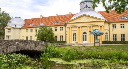 Pałac w Miliczu i poruszająca postać z nim związana! - zdjęcie