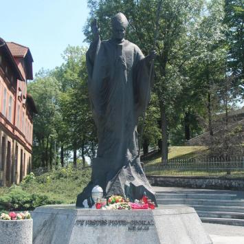 Pomnik Jana Pawła II na Górze Św. Anny