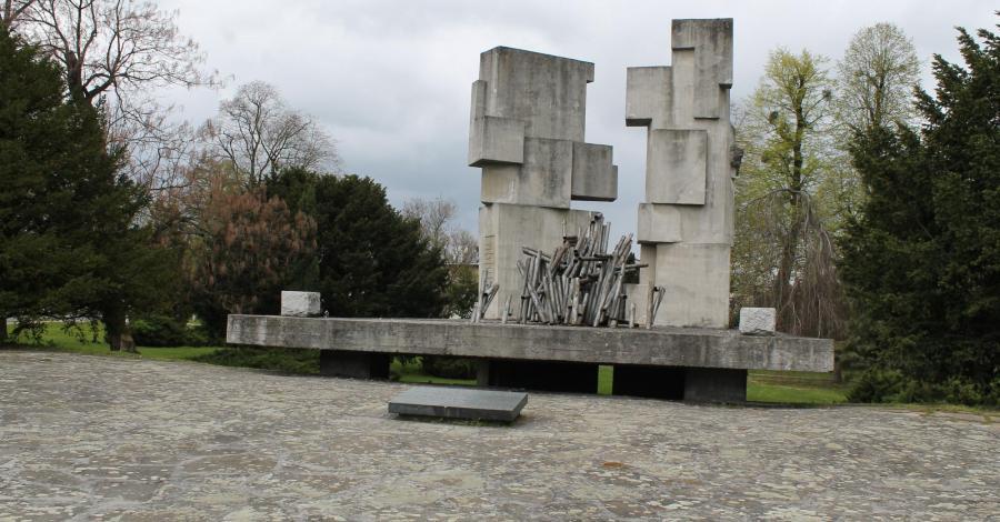 Pomnik Zwycięstwa nad faszyzmem w Brzegu - zdjęcie
