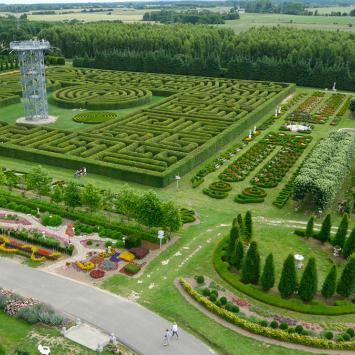 Labirynt w Ogrodach Hortulus w Dobrzycy - zdjęcie