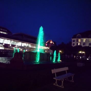 Kolorowa fontanna w Sopocie