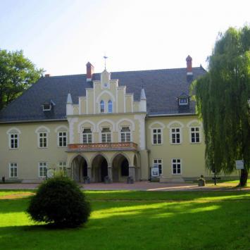 Dwór w Łodygowicach