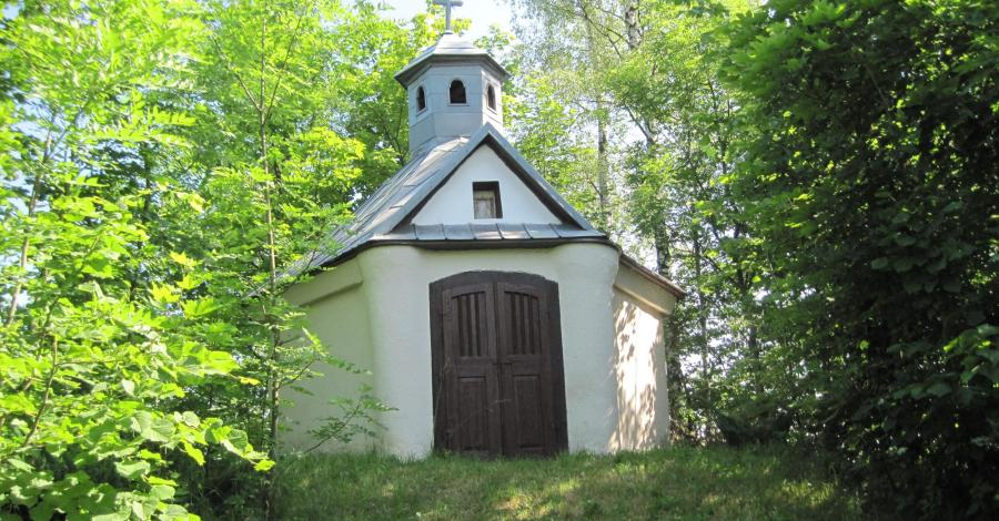 Kapliczka Św. Józefa w Dłużcu - zdjęcie