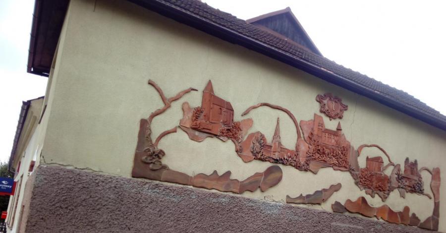 Mural w Nowym Wiśniczu, mokunka