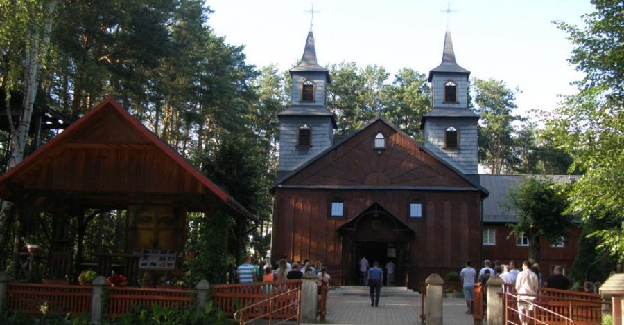 Kościół Św. Piotra i Pawła w Serpelicach - zdjęcie
