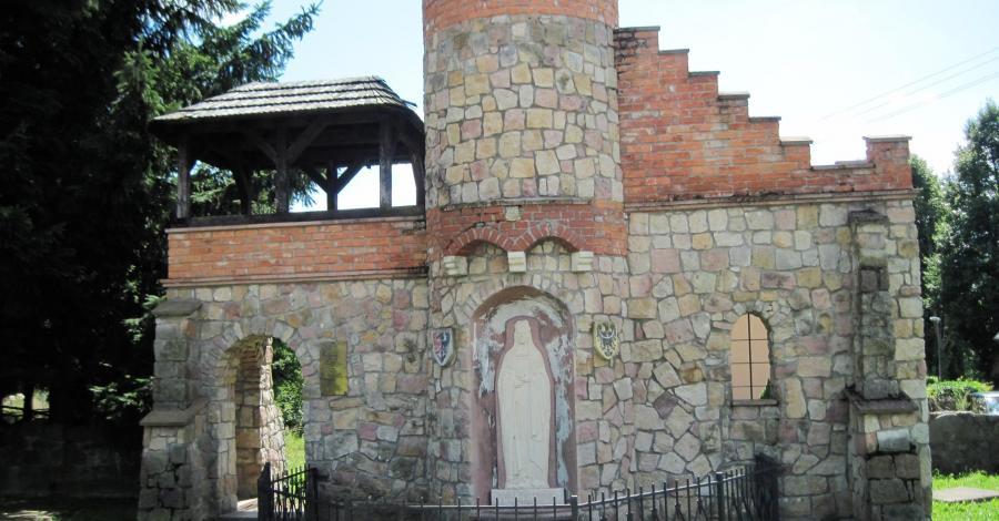 Pomnik księżniczki Anny Świdnickiej w Czermnej - zdjęcie