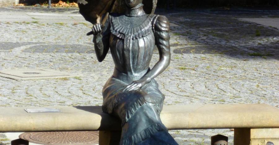 Ławeczka Charlotty w Jedlinie Zdroju - zdjęcie