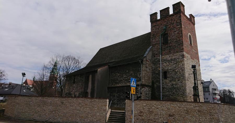 Stary kościół Św. Bartłomieja w Gliwicach Szobiszowicach - zdjęcie