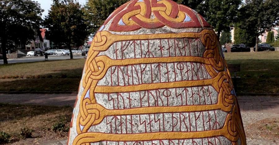 Kamień runiczny w Wolinie - zdjęcie