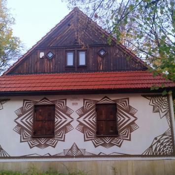 Mural Wycinanki w Częstochowie