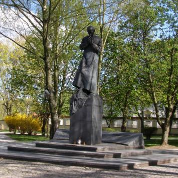 Pomnik księdza Popiełuszki w Białymstoku