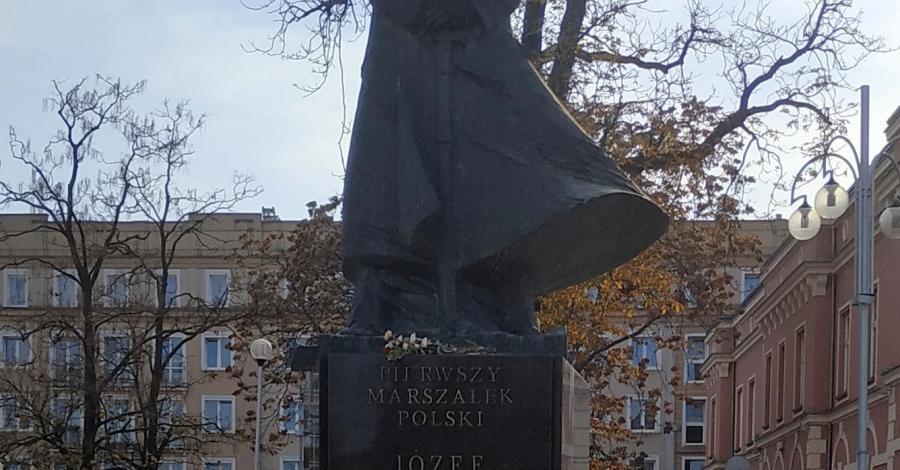 Pomnik Józefa Piłsudskiego w Częstochowie - zdjęcie