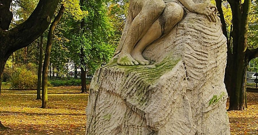Rzeźba Zaduma w Częstochowie - zdjęcie
