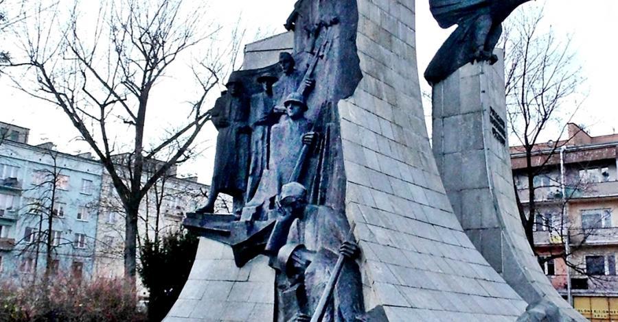 Pomnik Poległym w Obronie Ojczyzny w Częstochowie - zdjęcie