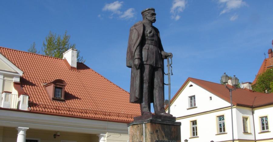 Pomnik Józefa Piłsudskiego w Białymstoku - zdjęcie