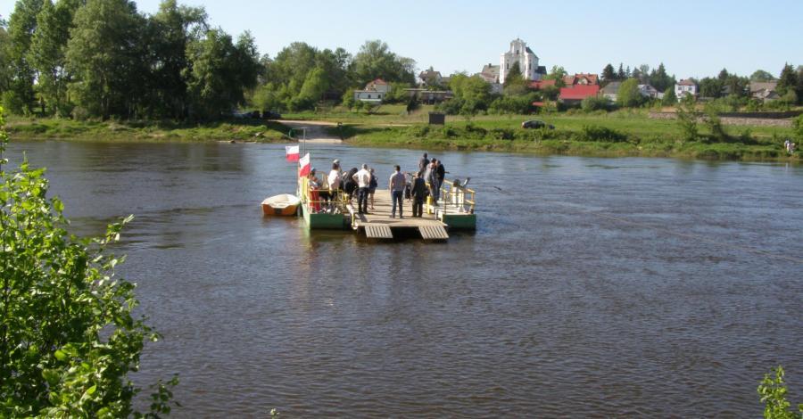 Przeprawa promowa w Drohiczynie - zdjęcie