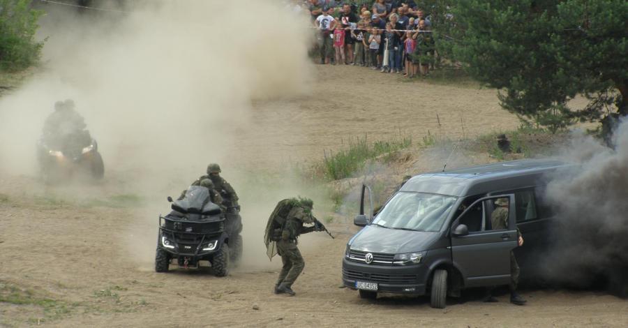 Piknik militarny w Ogrodniczkach - zdjęcie