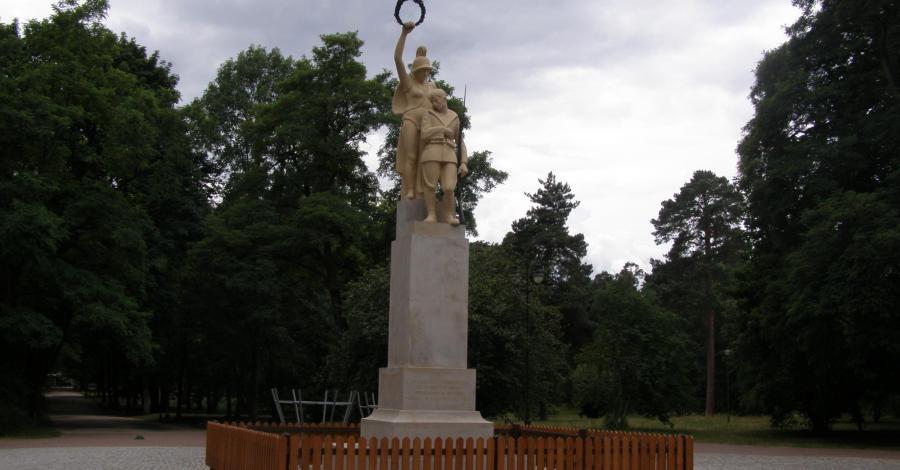 Pomnik 42. Pułku Piechoty w Białymstoku - zdjęcie