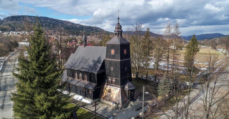 Drewniany kościół w Wysowej - zdjęcie