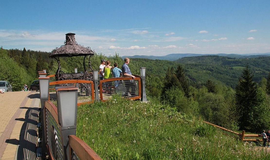 Taras przy Skibówce pozwala podziwiać wspaniałe widoki
