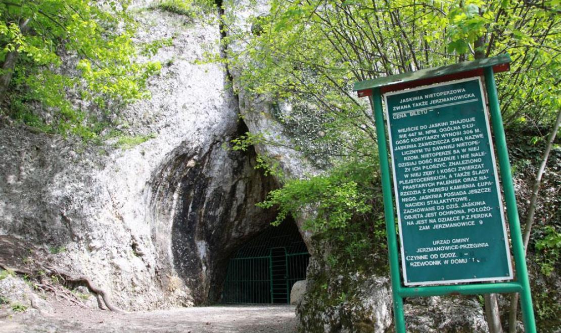"""Jaskinia Nietoperzowa w Dolinie Będkowskiej na Jurze, ciekawostką jest, że to tutaj kręcono sceny z Horpyną do """"Ogniem i mieczem"""""""