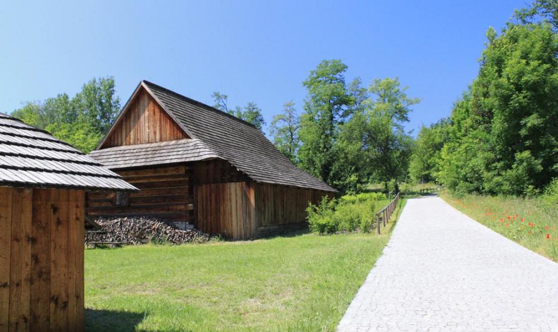 Górnośląski Park Etnograficzny znajduje się na terenie Parku Śląskiego, to ładne miejsce spacerowe