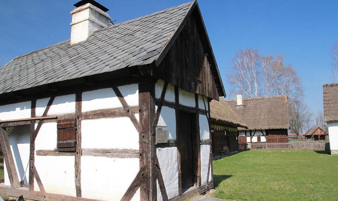 Zabytkowy piec w Muzeum Wsi Opolskiej