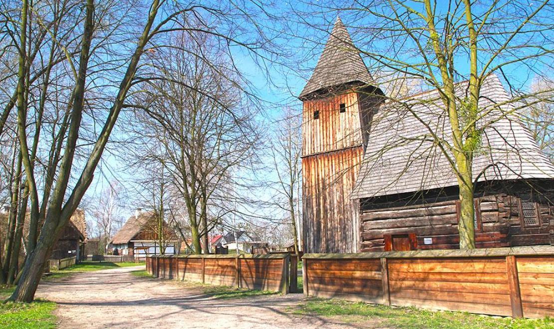 Drewniany kościół w Muzeum Wsi Opolskiej