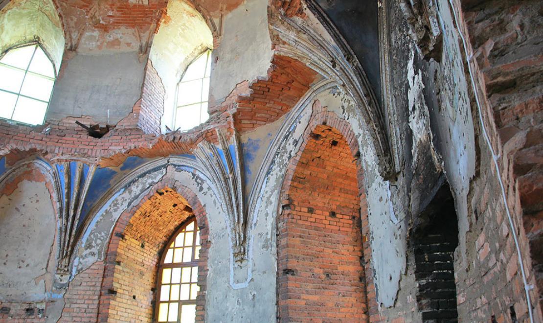 Dawna kaplica pałacowa, do której dostęp mieli wszyscy wierni