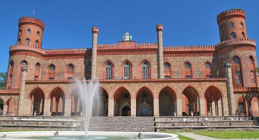 Cudny Pałac Marianny Orańskiej w Kamieńcu Ząbkowickim - zdjęcie