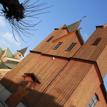 Drewniany kościół w Bobrownikach