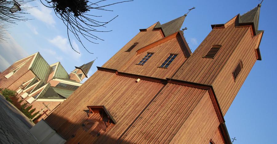 Drewniany kościół w Bobrownikach - zdjęcie