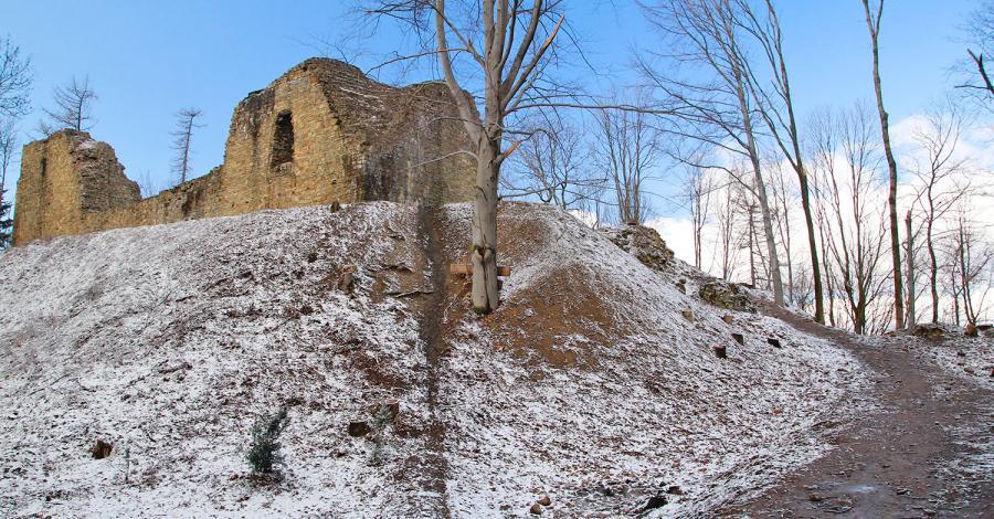 Ruiny zamku w Lanckoronie - zdjęcie