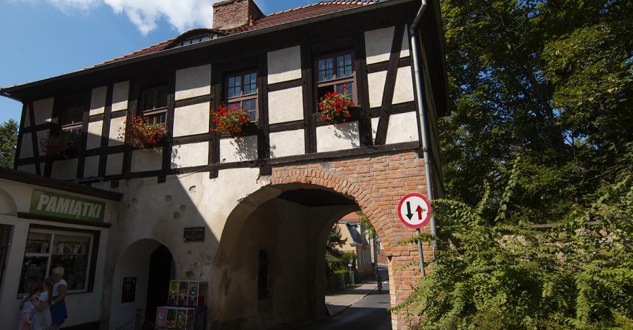 Brama Marchijska w Łagowie - zdjęcie