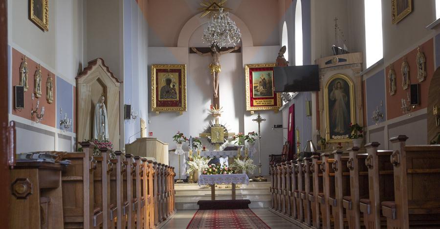 Kościół w Choroniu - zdjęcie