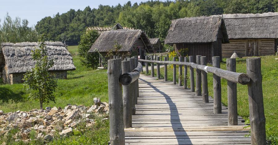 Osada Średniowieczna w Hucie Szklanej - zdjęcie