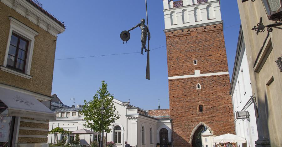 Brama Opatowska w Sandomierzu - zdjęcie