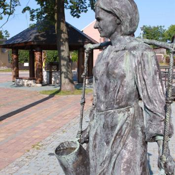 Pomnik Nosiwódki w Złotym Potoku