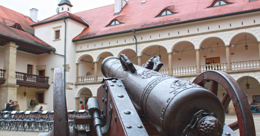 Zamek w Niepołomicach - zdjęcie
