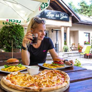Pizzeria Lago del Gusto w Poraju
