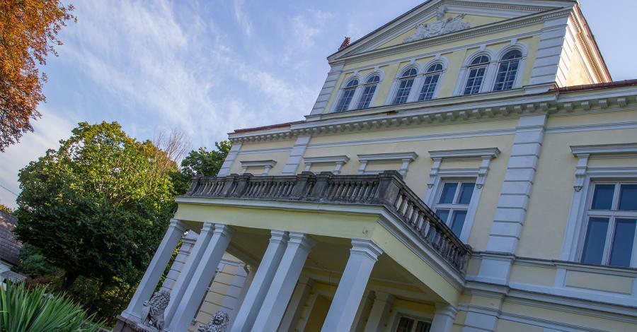 Pałac w Złotym Potoku - zdjęcie