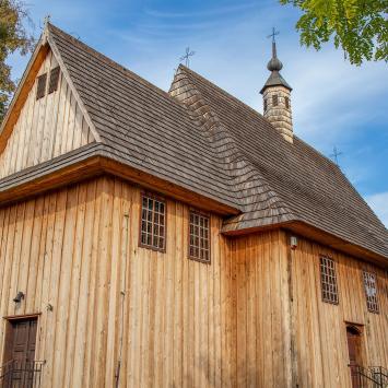 Drewniany kościół w Wojniczu