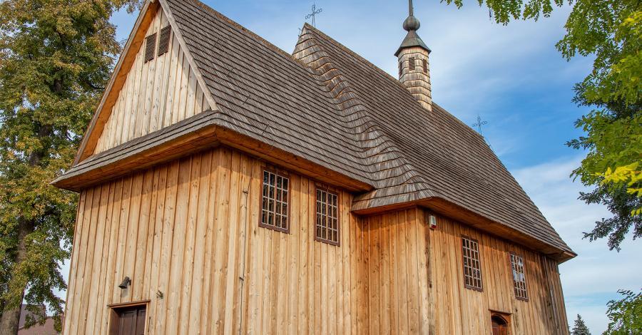 Drewniany kościół w Wojniczu - zdjęcie