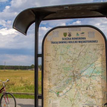 Ścieżka rowerowa Trasą Dawnej Kolejki Wąskotorowej w Dolinie Baryczy