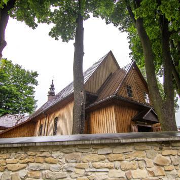 Drewniany kościół w Tylmanowej