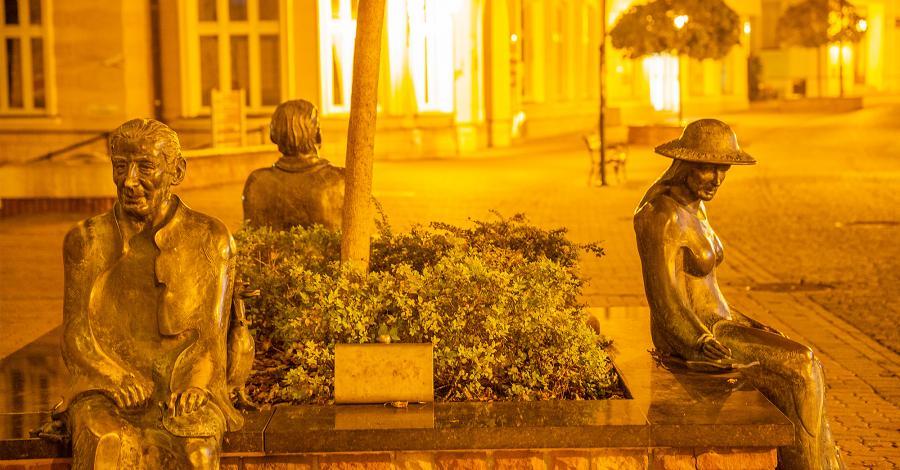 Ławeczka Poetów w Tarnowie - zdjęcie