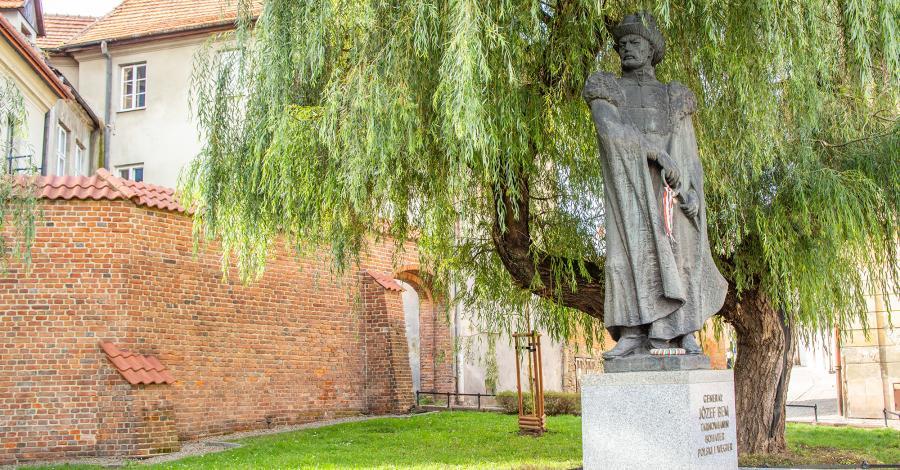 Pomnik Bema w Tarnowie - zdjęcie