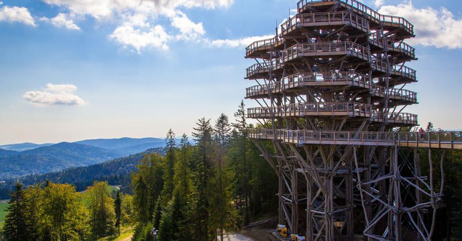 Wieża widokowa w Krynicy Zdroju - zdjęcie