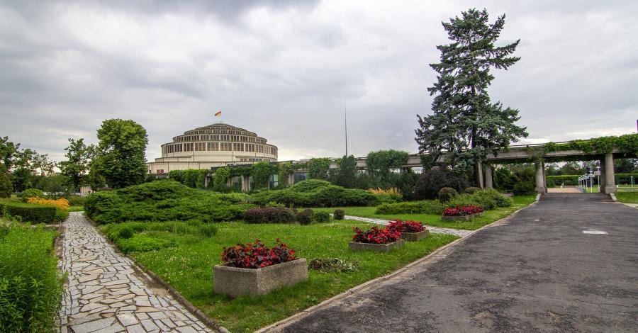 Fontanna multimedialna przy Hali Stulecia we Wrocławiu - zdjęcie