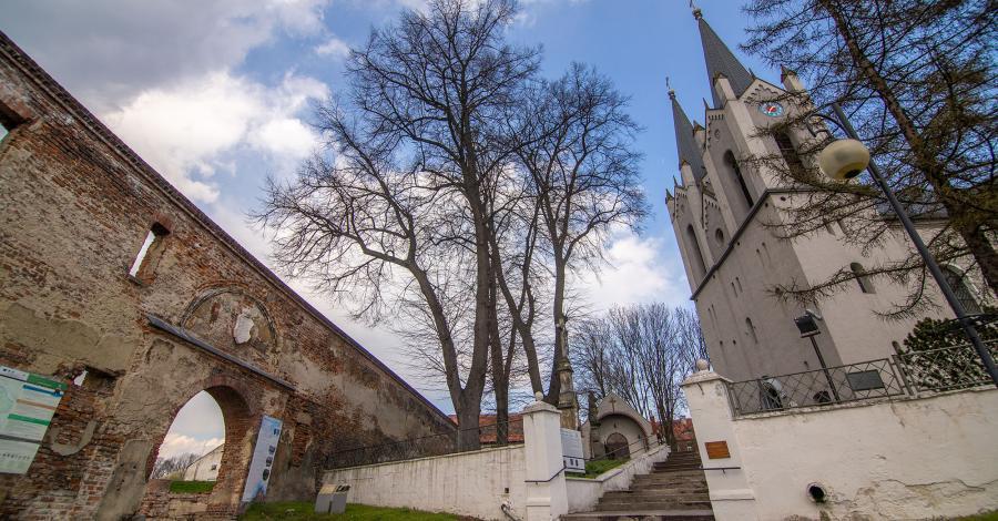 Kościół Św. Andrzeja Apostoła w Ujeździe Śląskim - zdjęcie